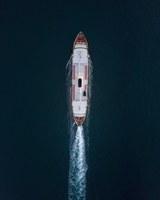 Appel à la fourniture de services de conseil pour préparer une étude sur les tendances et les perspectives de la pollution marine provenant des navires ainsi que du trafic maritime et des activités offshore en Méditerranée.